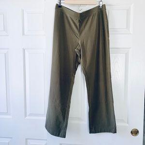 L.L Bean | Perfect Fit Straight Leg Pants | Medium